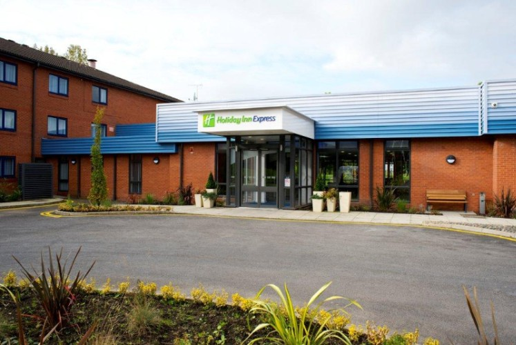 Holiday Inn Express Preston South 1 of 8