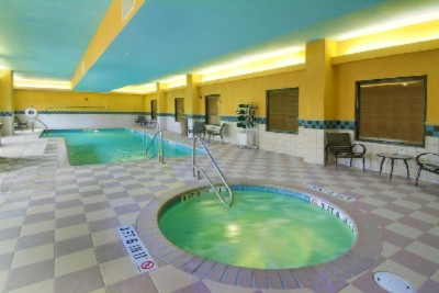 Indoor Heated Pool And Jaccuzzi 4 of 11