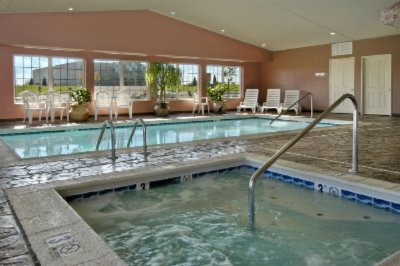 Ondoor Heated Pool & Spa 11 of 11