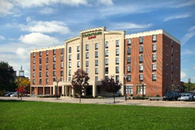 Picture Of Courtyard By Marriott Hamilton 8 of 14