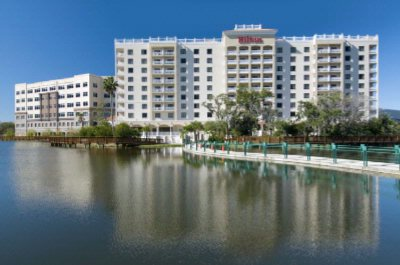 Hotel Is Located On Lake Carillon & Nature Preserve 4 of 16