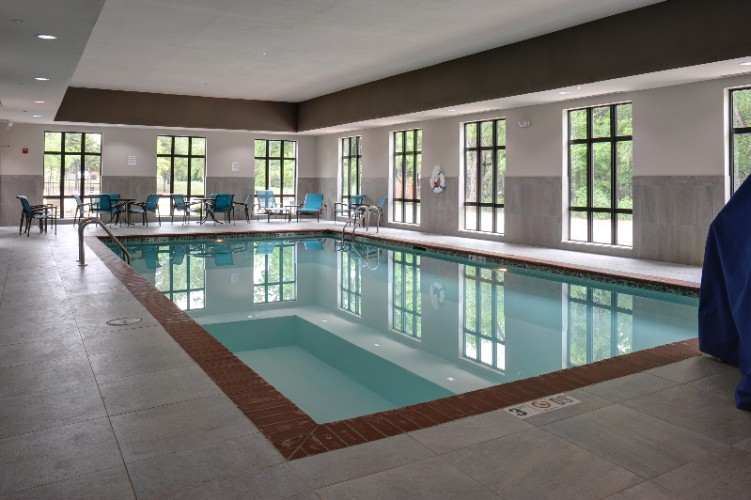 Indoor Heated Salt Water Pool 8 of 15