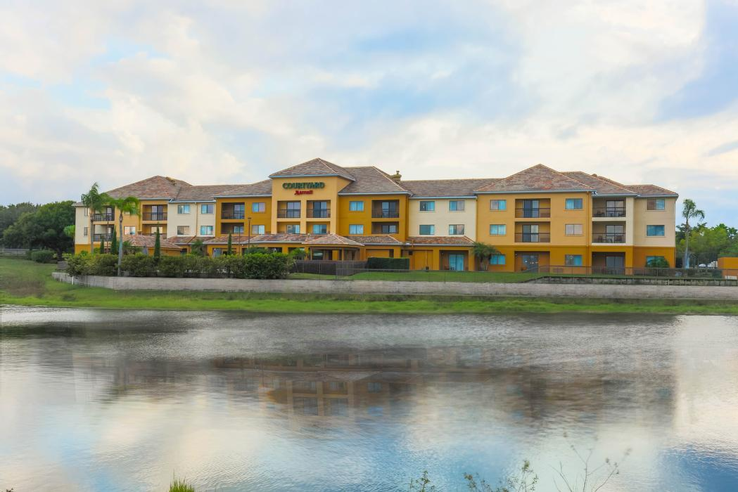 Courtyard by Marriott Orlando Lake Mary / North 1 of 13