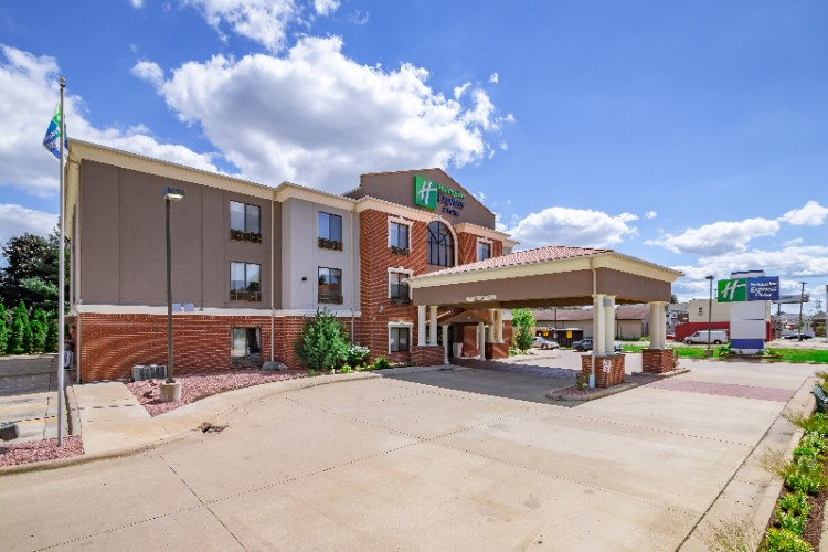Holiday Inn Express Hotel & Suites South Bend 1 of 11