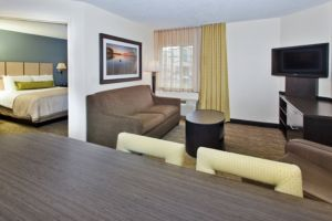 Candlewood Suites 1 of 10