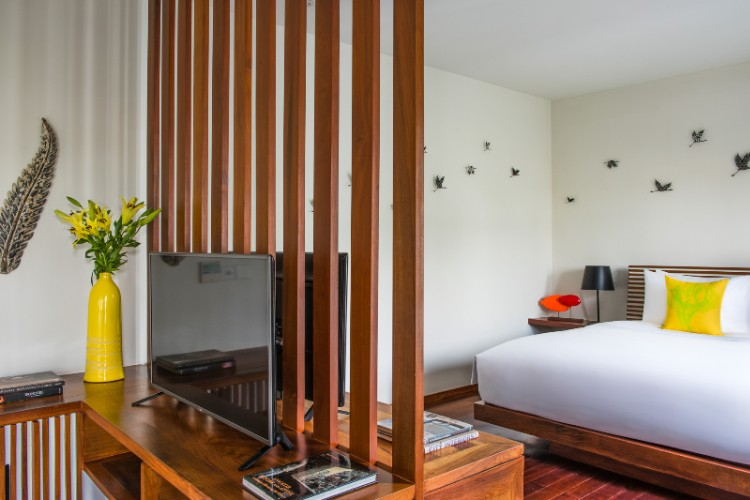 Sarus Crane Suite Room 16 of 31