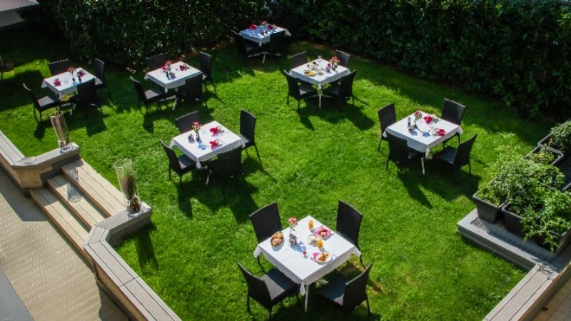 City Hotel Merano -Restaurant -Terrace 18 of 30