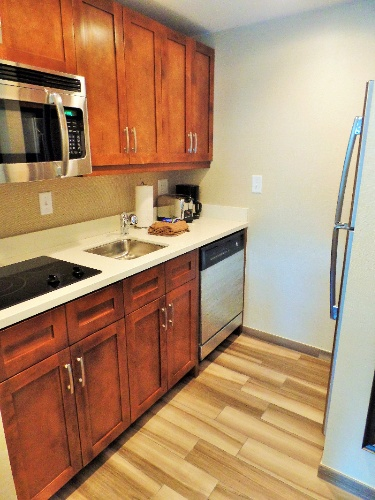 All Accommodations Have Kitchenettes With Two Burner Stove Tops And Full-Size Refigerators. 5 of 9
