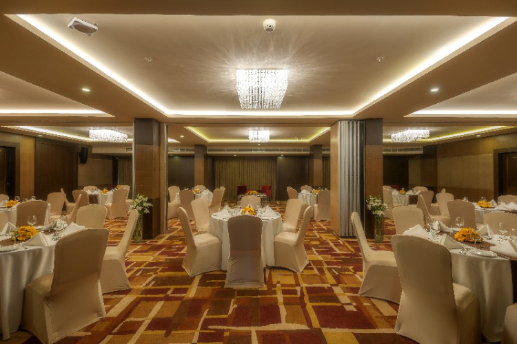 Banquet Hall 16 of 24