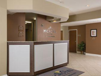 Front Desk / Lobby 3 of 11