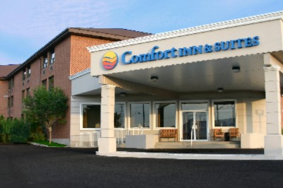 Comfort Inn & Suites 2 of 6