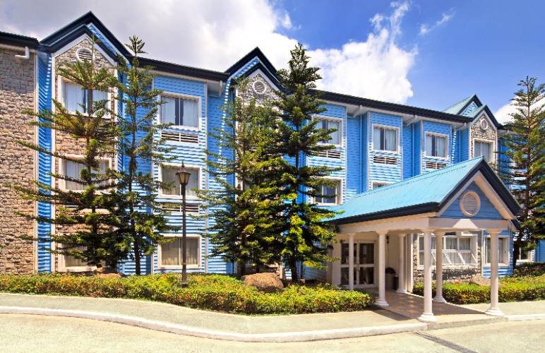 Microtel Inn & Suites by Wyndham Baguio 1 of 6