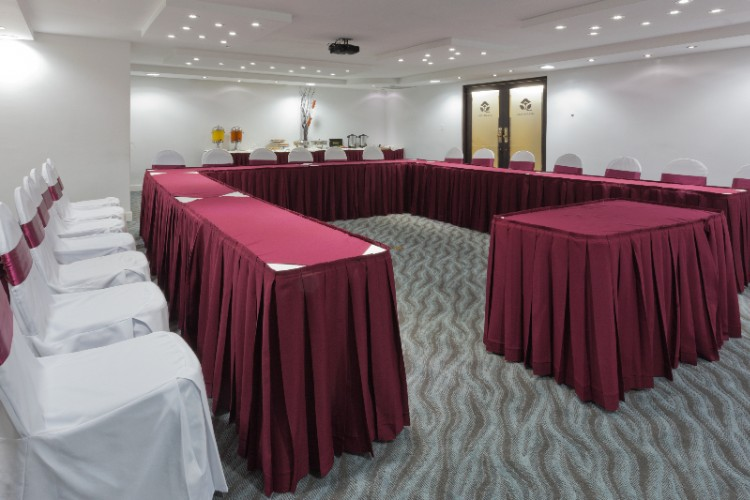 Meeting Room With Free Wifi 12 of 20