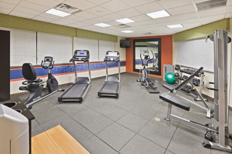 Fitness Room 11 of 20