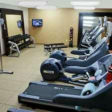 Fitness Room 7 of 10