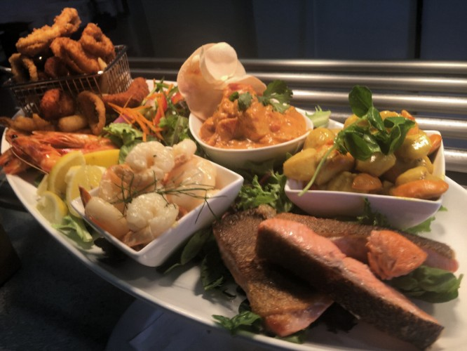 Our Popular Seafood Banquet Every Sunday 9 of 13
