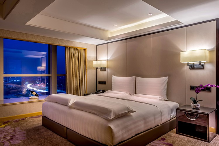 Executive Suite -Bed Room 15 of 28