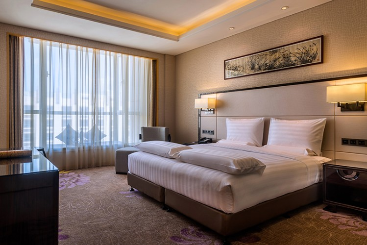 Executive Room With One King Bed 10 of 28