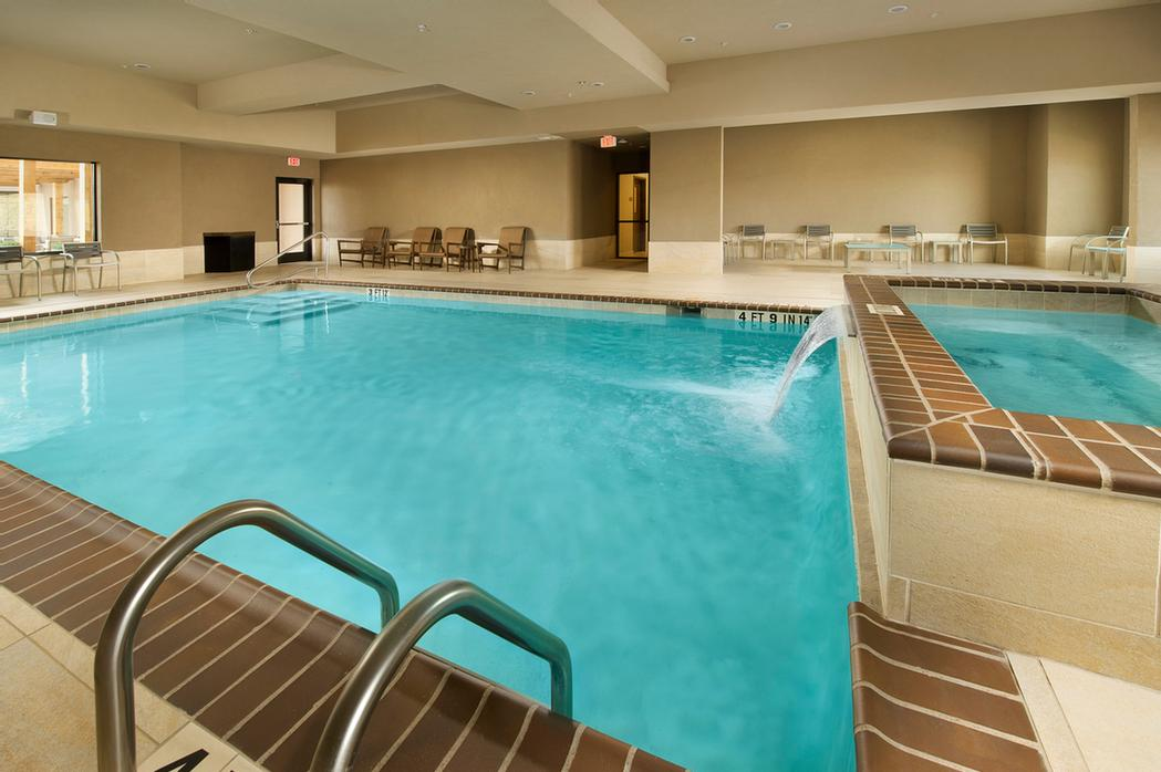 Indoor Pool/spa 9 of 21