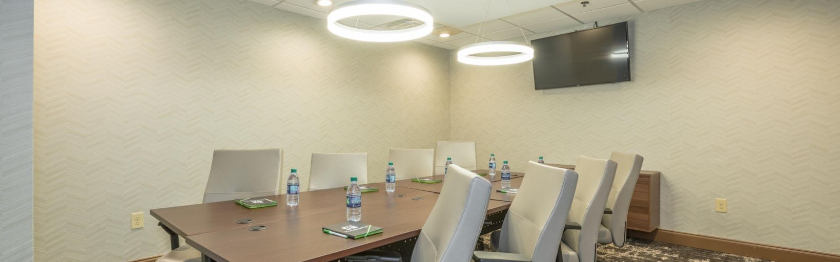 Executive Board Room-Flexible Meeting Room Space With Televison/av Capabilites 5 of 13