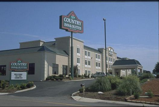 Country Inn & Suites Exterior View