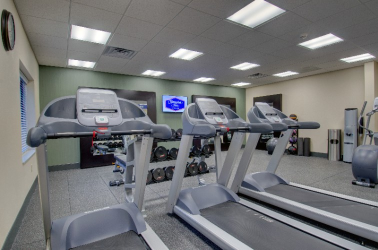 Fitness Room 16 of 20