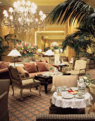 Lobby Lounge 4 of 7