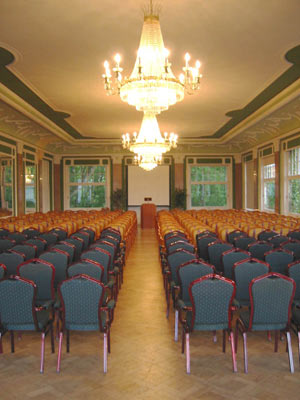 Meeting Room For 250 Participants 6 of 9