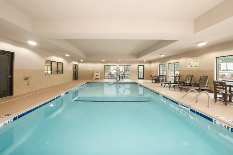 Indoor Pool 13 of 20