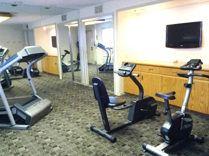Fitness Area 16 of 21
