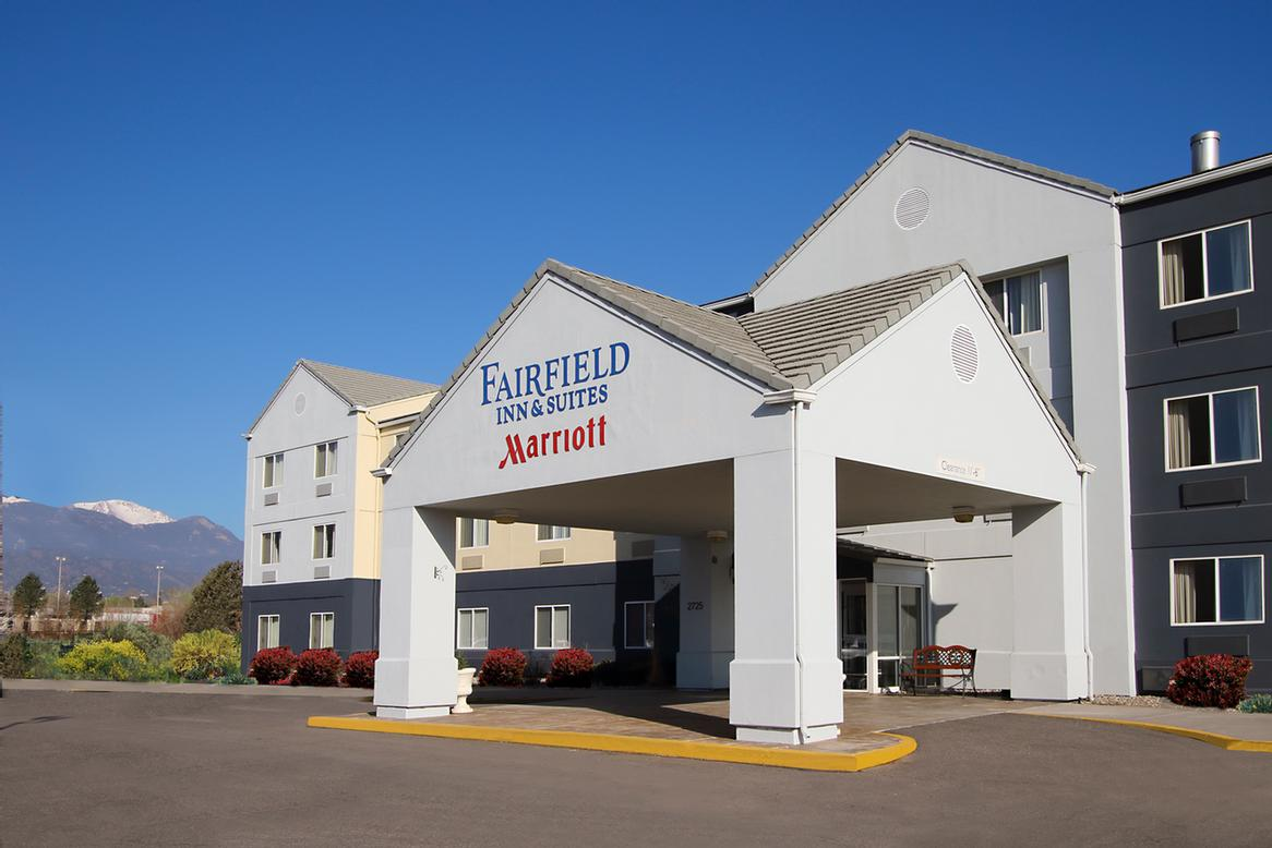 Fairfield Inn & Suites by Marriott South 1 of 7
