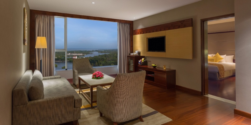 Executive Suite 3 of 28