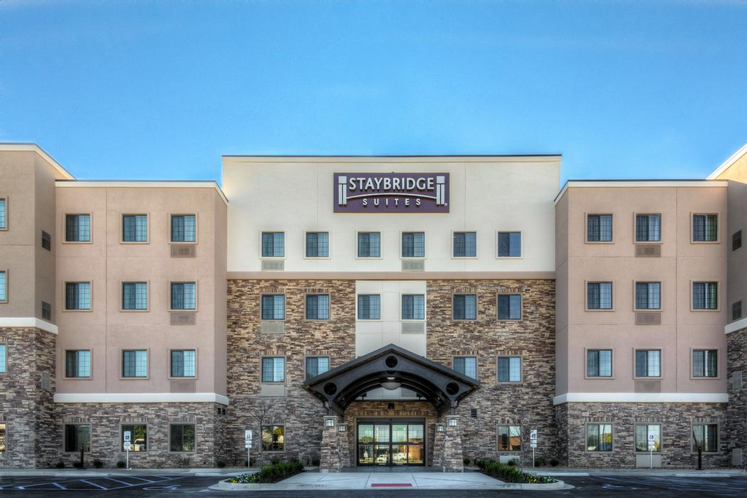 Staybridge Suites St. Louis Westport 1 of 9