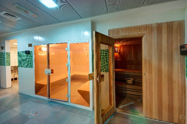 Sauna And Steam Room 16 of 19
