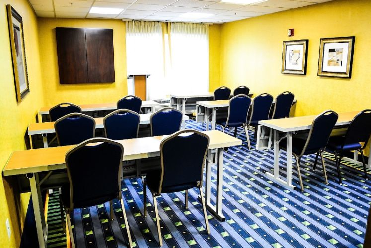 Meeting Room Montgomery Inn And Suites 6 of 21