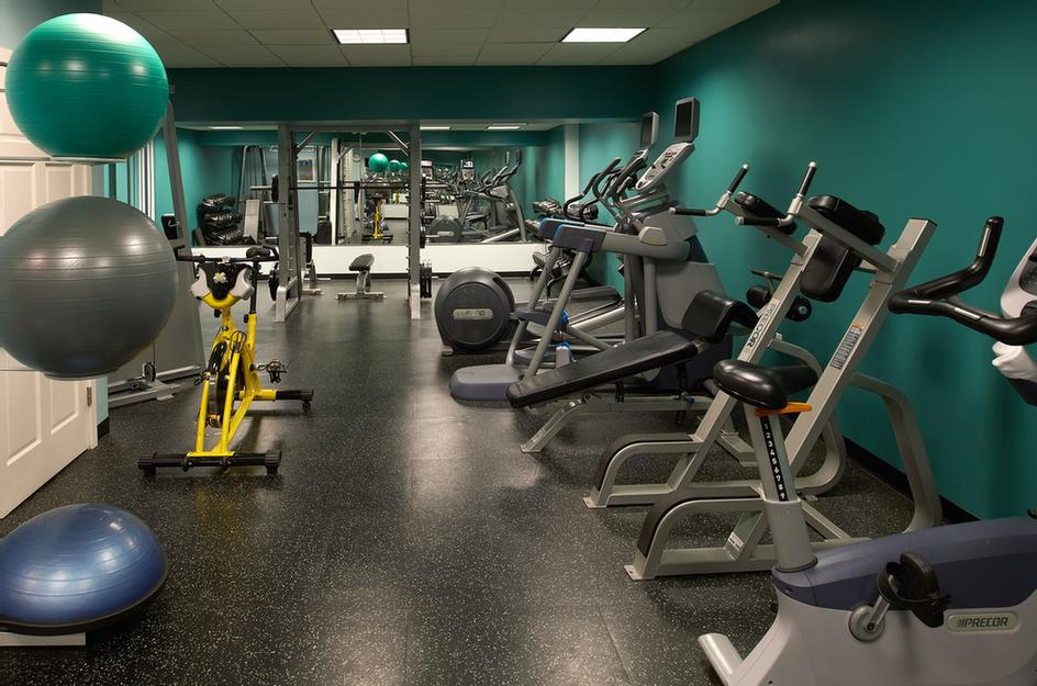 Fitness Center 18 of 31
