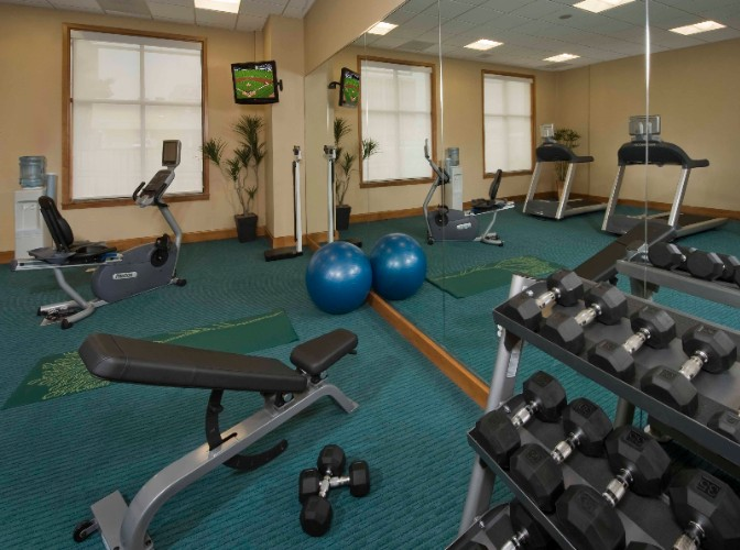 Fitness Center 23 of 28