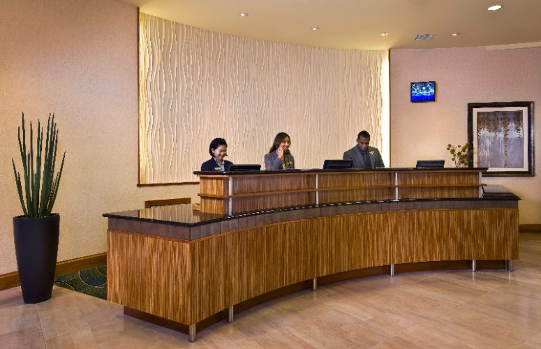 Front Desk 5 of 28