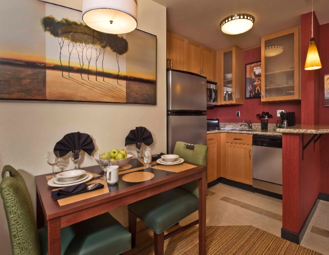 Studio Suite Kitchen 10 of 28