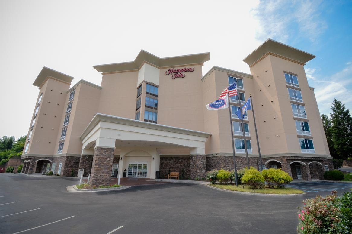 Hampton Inn Salem East Electric Road 1 of 13