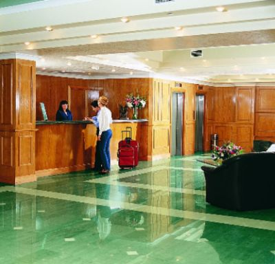 Hotel Reception 10 of 11