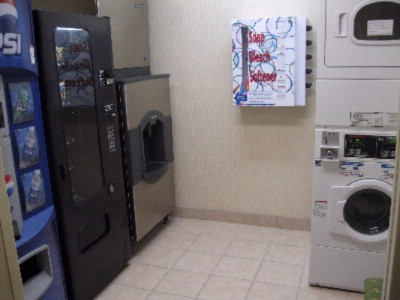 Vending Area & Guest Laundry 6 of 10