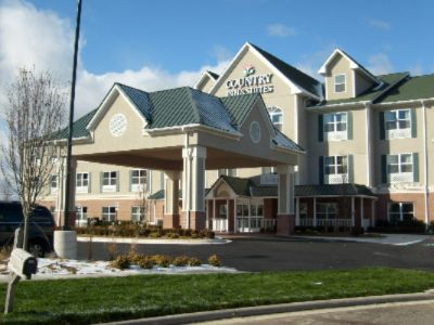 Country Inn & Suites Toledo South Rossford 1 of 11