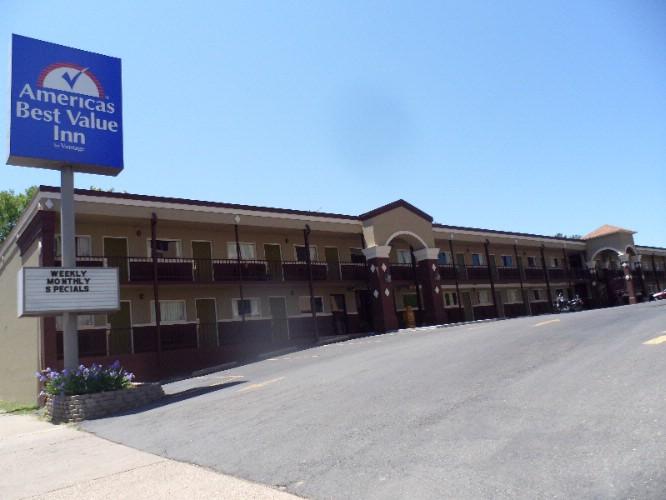 Days Inn Hot Springs 2208 Central Ave. Hot Springs AR 71901