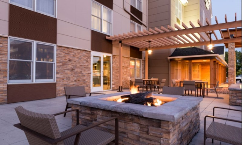 Outdoor Veranda With Fire Pit 10 of 29