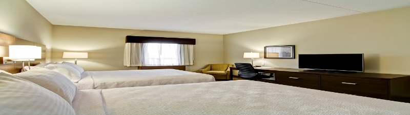 Relax In The Comfort Of Our Queen Rooms 5 of 5