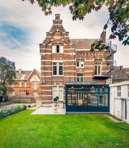Boutique Hotels Caelus & Huys Van Steyns 1 of 6