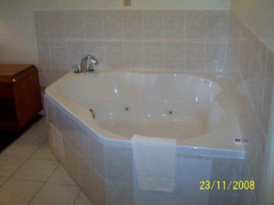 Jacuzzi Room 6 of 22