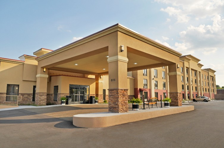 Affordable Best Western Plus Sunrise Inn Nashville Tn Suites Near Opryland Grand Ole Opry Hotel Downtown Hotels With