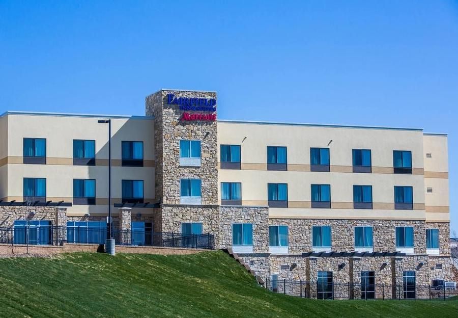 Fairfield Inn & Suites by Marriott Lincoln Southea 1 of 13